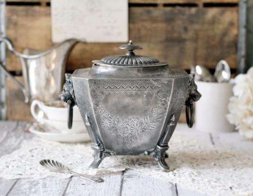 tea caddy